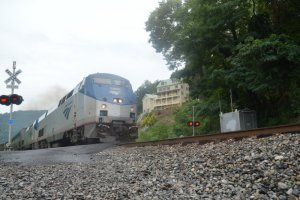 Amtrak departing HFY West-2.jpg