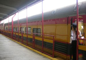 Panama_Canal_Railway_-_My_Car_(3279218319).jpg