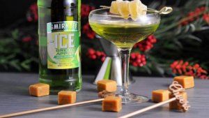 Caramel-Green-Apple-Cocktail-5-720x405.jpg